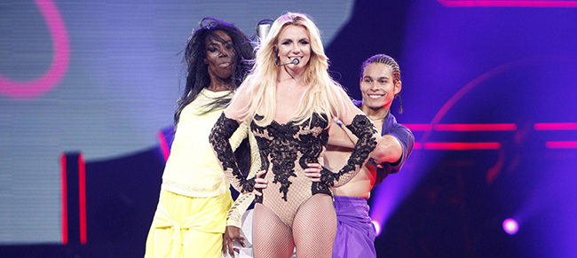 britney spears tour professional dancers